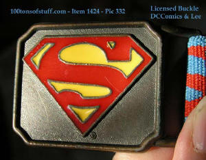 Metal Buckle close-up of 100tos1424 Superman Elastic red and blue belt w/metal buckle