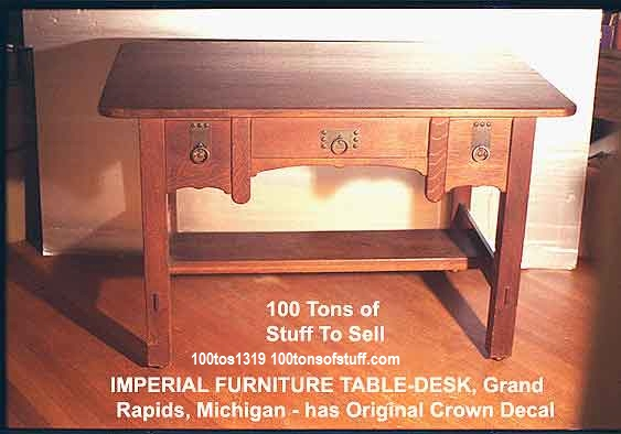 #1319 Table-Desk Imperial Furniture full view - Red Quarter Sawn Oak