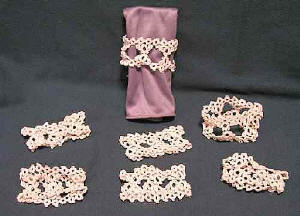 100tos0844-A-7 Crocheted Napkin Holders
