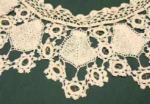 100tos0844-B-Lace Crocheted Collar Clup