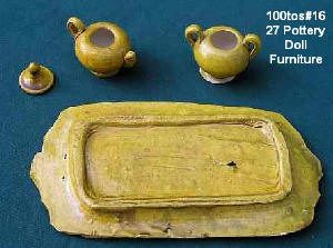 Back of 100tos1627: Toy Mexican Pottery Platter w/Teapot & Sugar Bowl